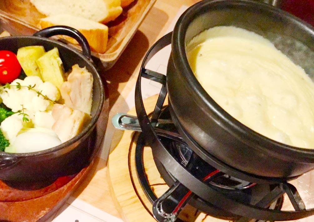 ワイン食堂のチーズフォンデュ