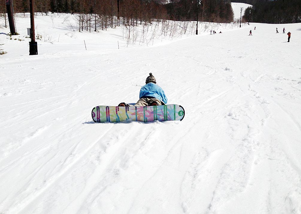 雪山でスノーボード
