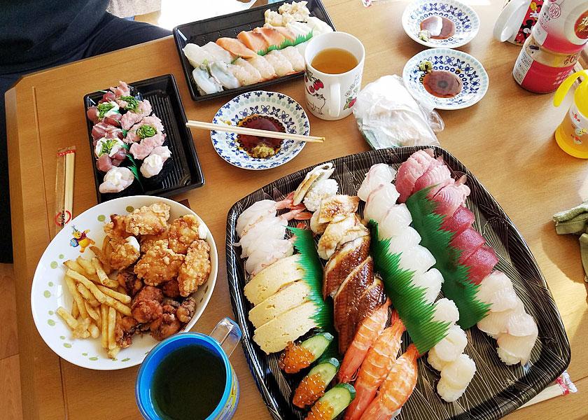 お寿司テイクアウトしてパーティ!