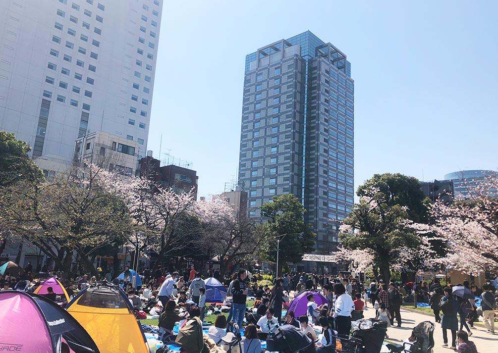 花見で賑わう錦糸公園