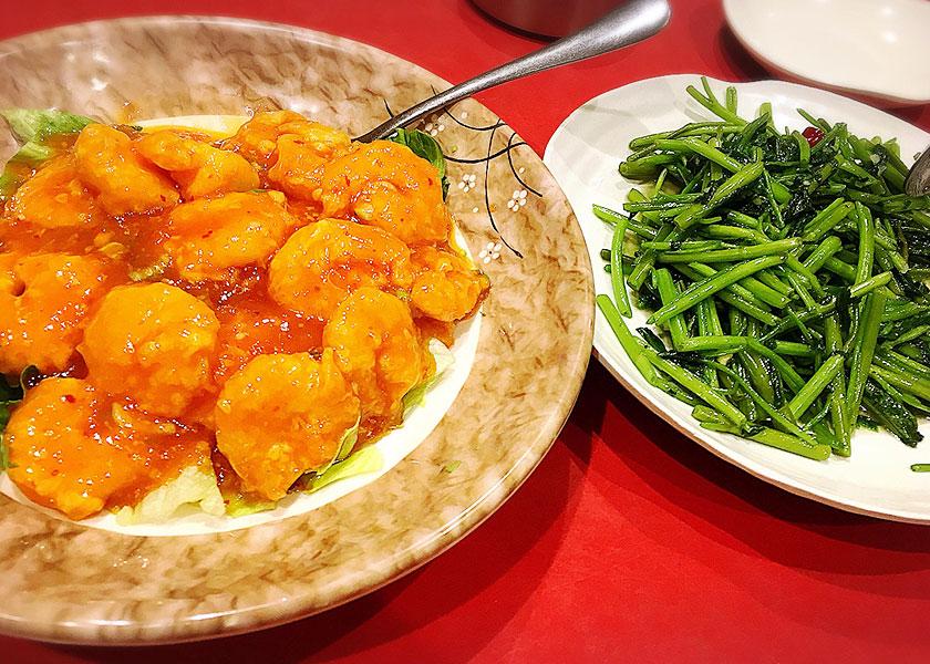 エビチリと空心菜~エビは大きくてぷりっぷり♡