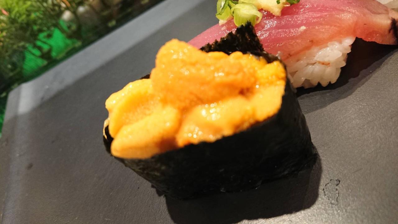 ご飯はお寿司
